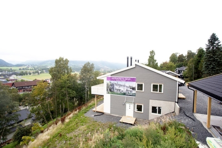 HØSLAN PANORAMA - KUN 1 IGJEN! Helt ny, innflyttingsklar leilighet sentralt på Segalstad Bru