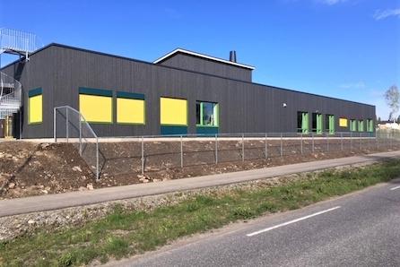 Nannestad // Ramstadåsen: Stor, byggeklar ene- eller 2 mb tomt // Flott beliggenhet rett ved marka