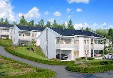 Illustrasjonsbilde av boligene plassert på tomten. Omgivelser kan avvike.