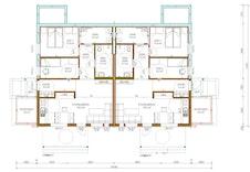 Leilighetene nede har to soverom, stue/kjøkken med utgang til uteplass, bad, vaskerom, entre og utebod.