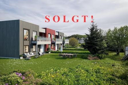 Mortensnes | 3 moderne eneboliger i rekke | 4 sov | carport - SOLGT!