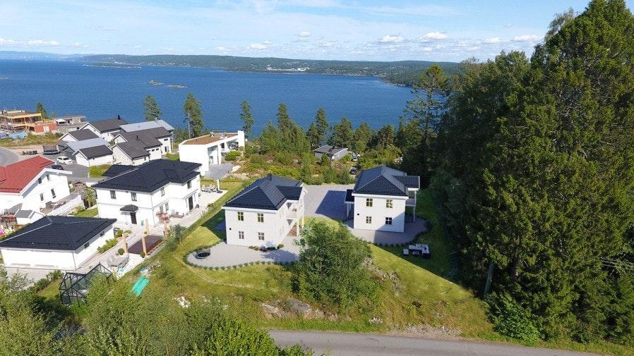Innholdsrik enebolig med god plass til hele familien. Boligfelt med flott utsikt og solrik beliggenhet. 1 reservert!