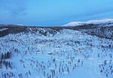 Hytteområdet Turufjell, alpin trase i bakgrunnen